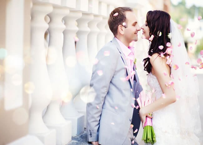 Find an affordable wedding photographer