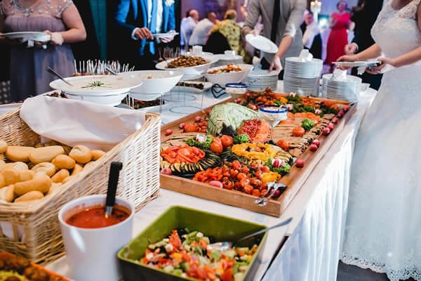 Questions One Should Ask While Choosing Wedding Reception Caterers