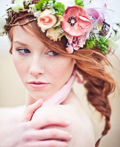 We have made a list with beautiful bridal hairstyles.