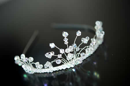 Crowns and tiaras become fashionable again