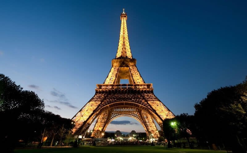. Paris alone provides such options as cruising down the River Seine, visiting such famous places as the Eiffel Tower, the Louvre, or the Cathedral of Notre Dame, going to a cabaret show or dining out.