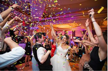 How To Make Your Wedding Welcome Party an Instant Smasher