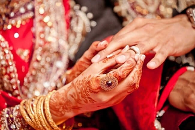 Why Indian Weddings Are More Entertaining Than Western?