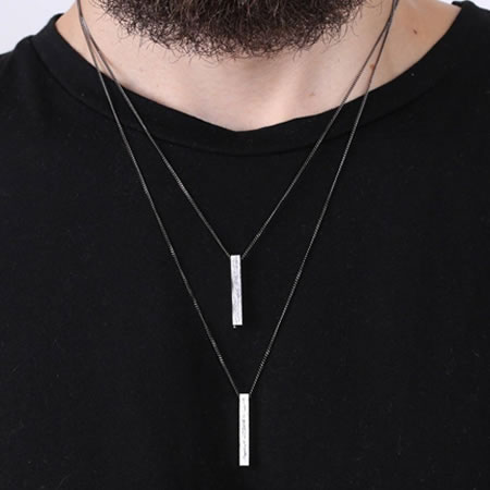 Another attractive accessory that complements your outfit is a necklace
