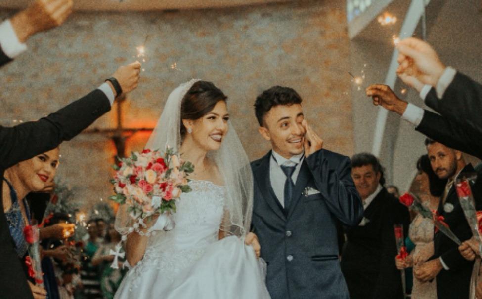 6 Fun Ways to Make an Entrance at Your Wedding Reception
